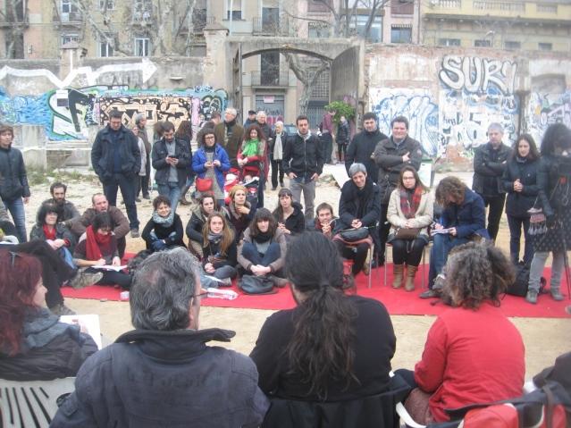 Veïns de l'Esquerra de l'Eixample han comptat amb la presència de membres de Can Vies, Can Batlló, l'Ateneu Popular de les Corts, Can Masdeu o el Banc Alliberat.