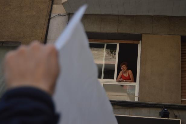 La manifestació ha tallat el trànsit de diversos carrers de Sagrada Família i Camp de l'Arpa / MAR ROMERO