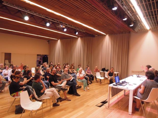 La presentació es va fer a La Violeta de Gràcia / Mar Romero Sala
