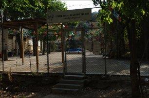 El centre social de la Font del Gos és un dels pocs equipaments de què disposa el barri. / Joan Aleix Mata